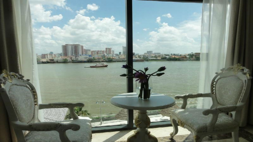 The Waterfront Serviced Residence