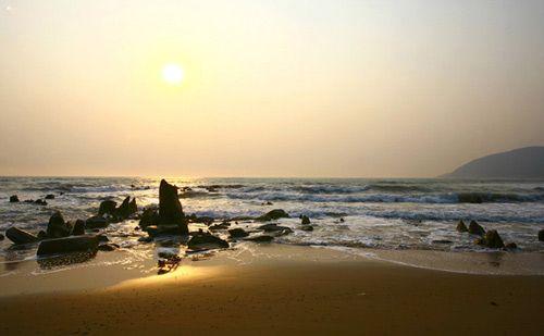Chuyến khám phá bãi biển Hoành Sơn hoang sơ
